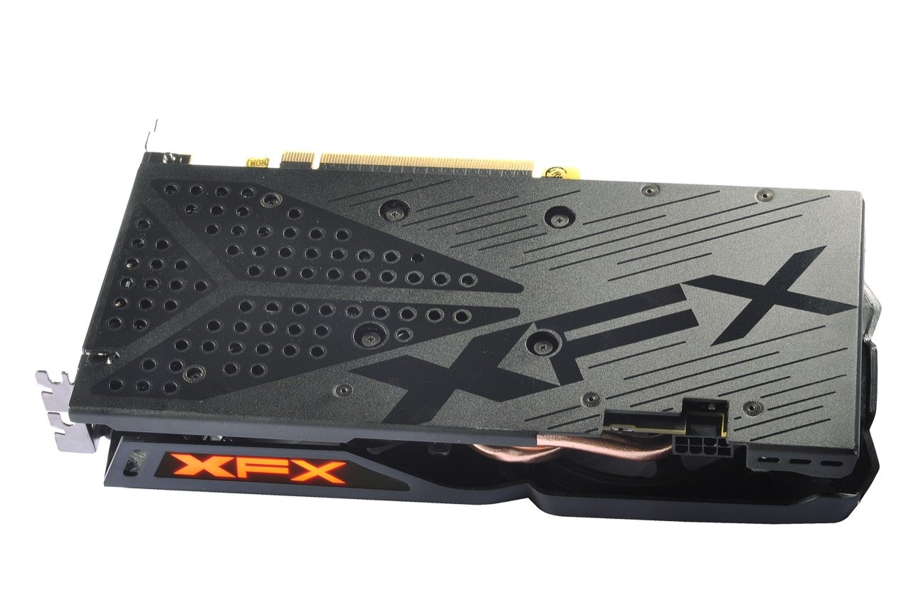 Image 6 : XFX Radeon RX 480 Crimson Edition : LED rouges et ventilateurs modulaires