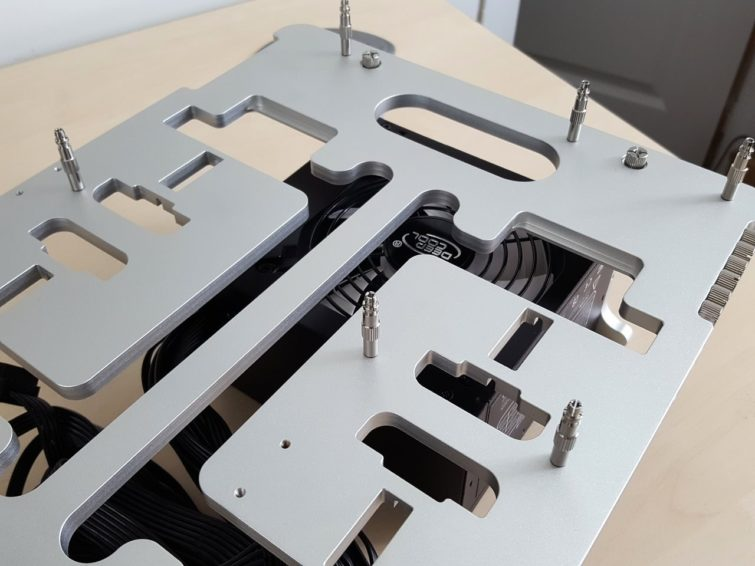 Image 1 : Test : Streacom BC1 Open Benchtable, classe, astucieuse, perfectible