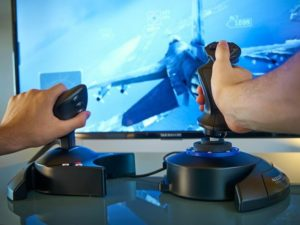 Image 4 : Thrustmaster T.Flight Hotas 4 : joystick officiel de Ace Combat 7