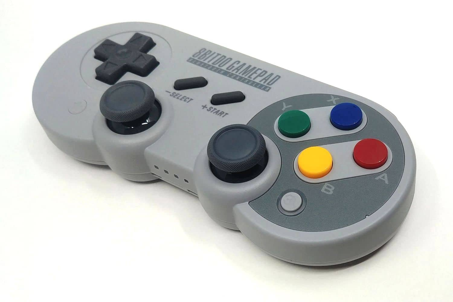 Image 3 : Mini Test : 8BitDo SF30 Pro, la manette SNES sublimée par les technos modernes