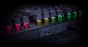 Image 2 : Thermaltake : un clavier Level 20 GT RGB avec trois types de switches