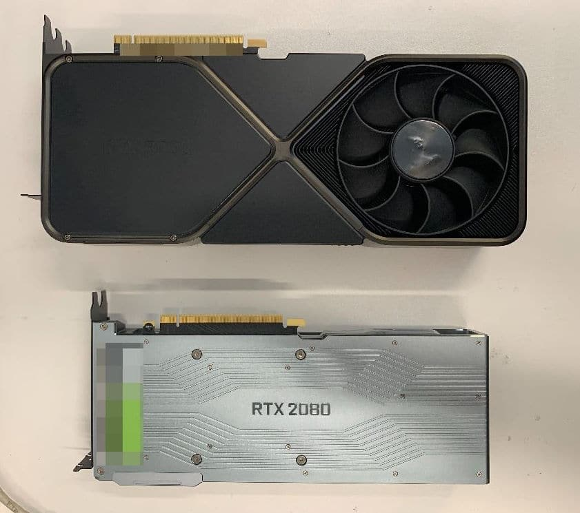 Image 2 : La RTX 3090 Founder's Edition serait un monstre occupant 3 Slots